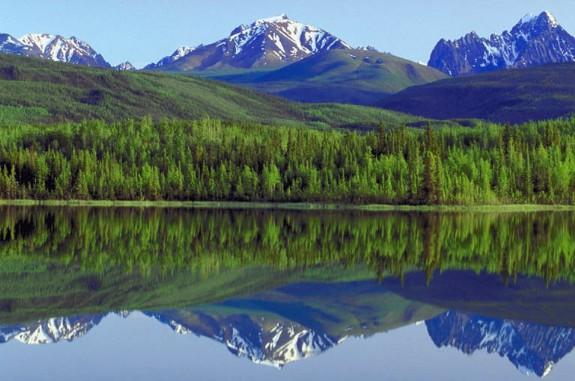 اترككم مع جمال الطبيعه في جبال الروكي